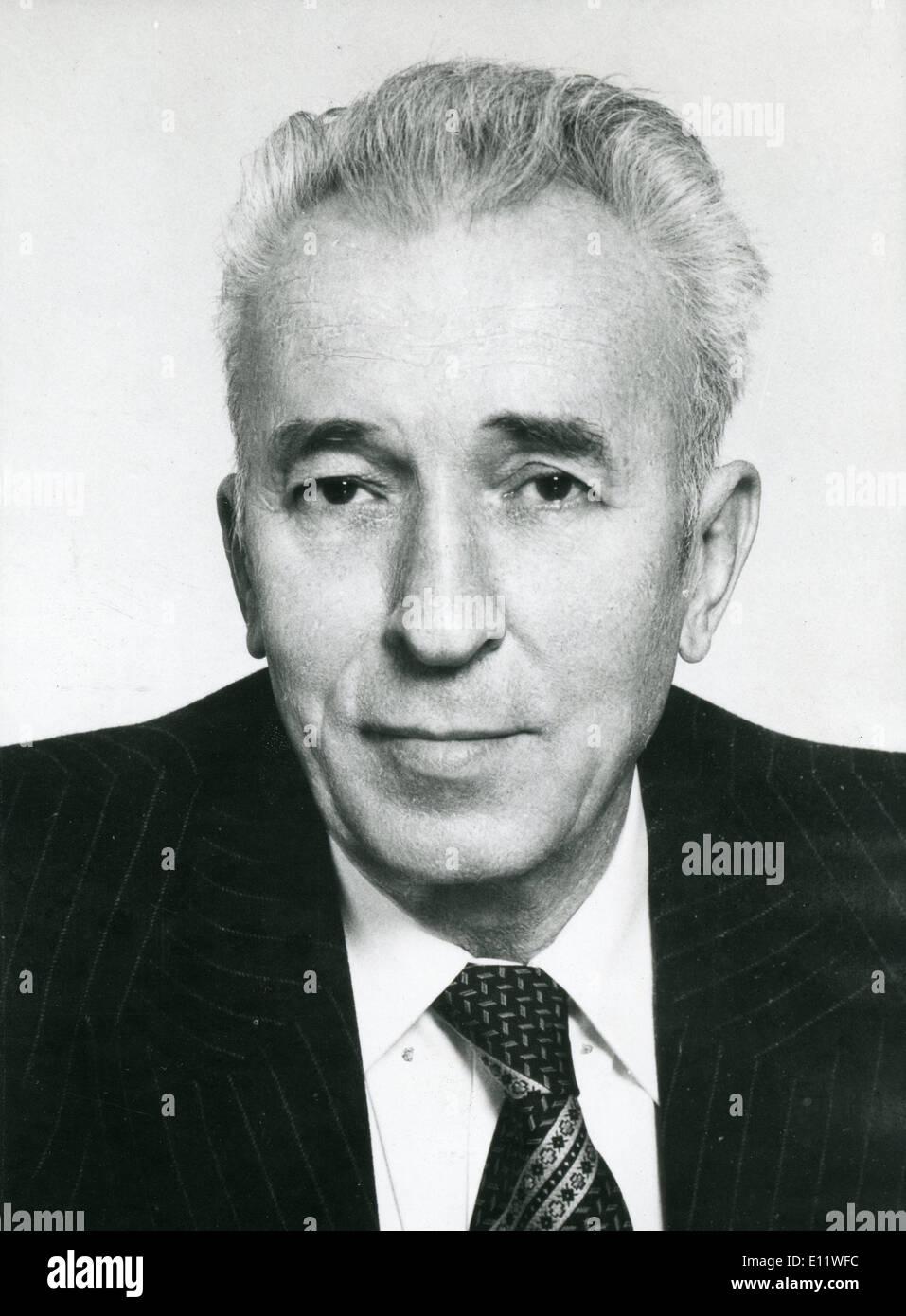 Grmoja primio prijetnje smrću - Page 3 May-15-1980-belgrade-yugoslavia-cvijetin-mijatovic-becomes-the-new-E11WFC