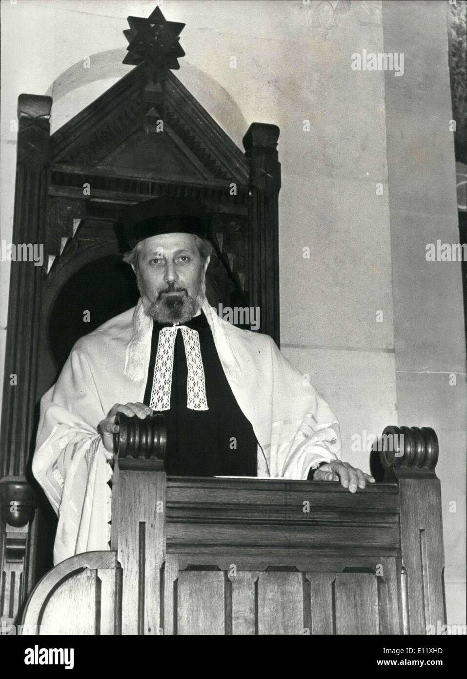 Oct. 24, 1980 - Alain Goldmann, Paris's new rabbi, sits in his chair during a ceremony in the synagogue on Rue de la Victoire. - Stock Image