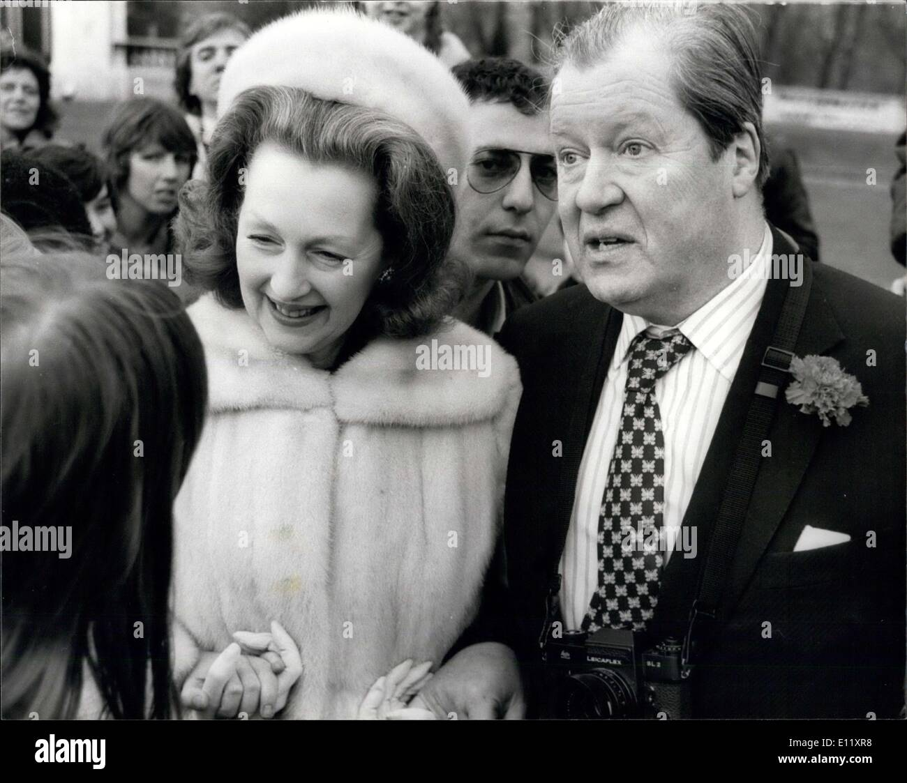 Countess Karen Spencer Feb 24 1981 Lady Diana S Father And Step Mother At The