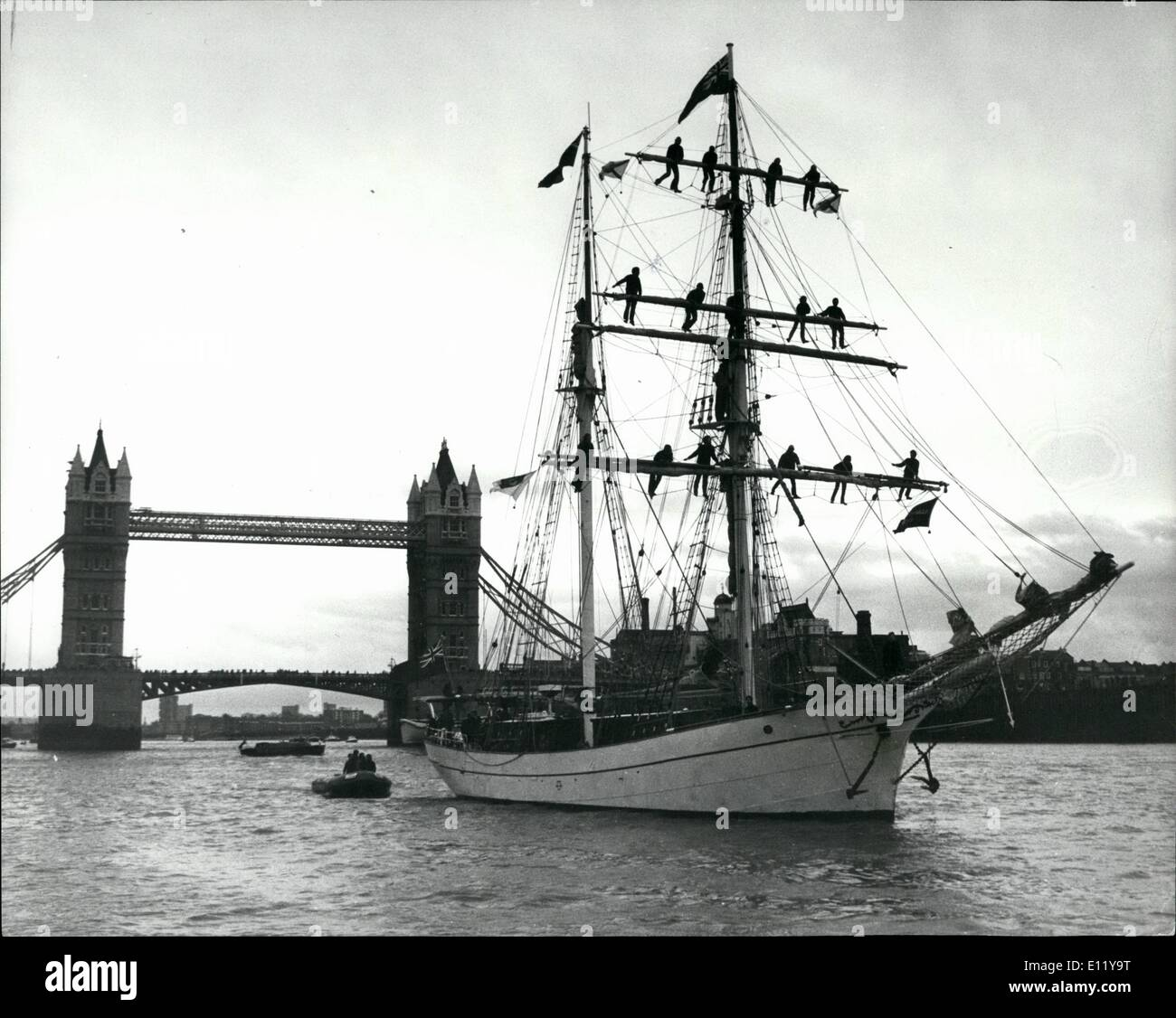 Dec. 12, 1980 - Eye of the wind returns to London.: Last Saturday, the 403rd anniversary of the start of Sir Francis Drake's circumnavigation in Golden Hind, the brigantine eye of the wind sailed up the Thames to St. Katherine's Dock to mark the completion of the two year round the world expedition Operation Drake, for the past two years young explorers, scientists and other young people have taken part in the expedition of adventure and discovery. At Saturday's ceremonies the expedition leader, Lt Col - Stock Image