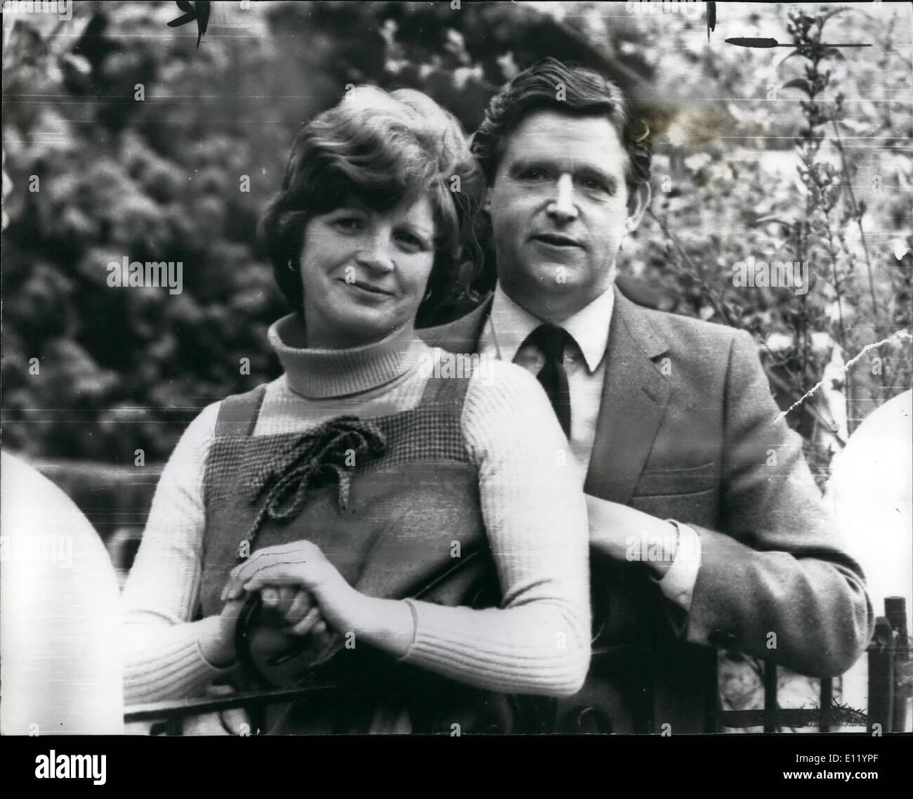 Apr. 04, 1981 - Tory M.P. receives I.R.A. letter bomb.: Mr. Barry Porter, Conservative MP fir Bebington and Ellesmere Stock Photo