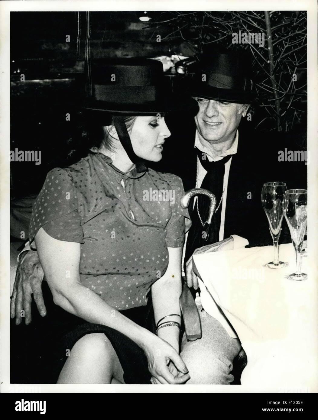 https://c8.alamy.com/comp/E1205E/may-02-1981-new-york-city-starbuck-nightclub-actor-tony-curtis-and-E1205E.jpg
