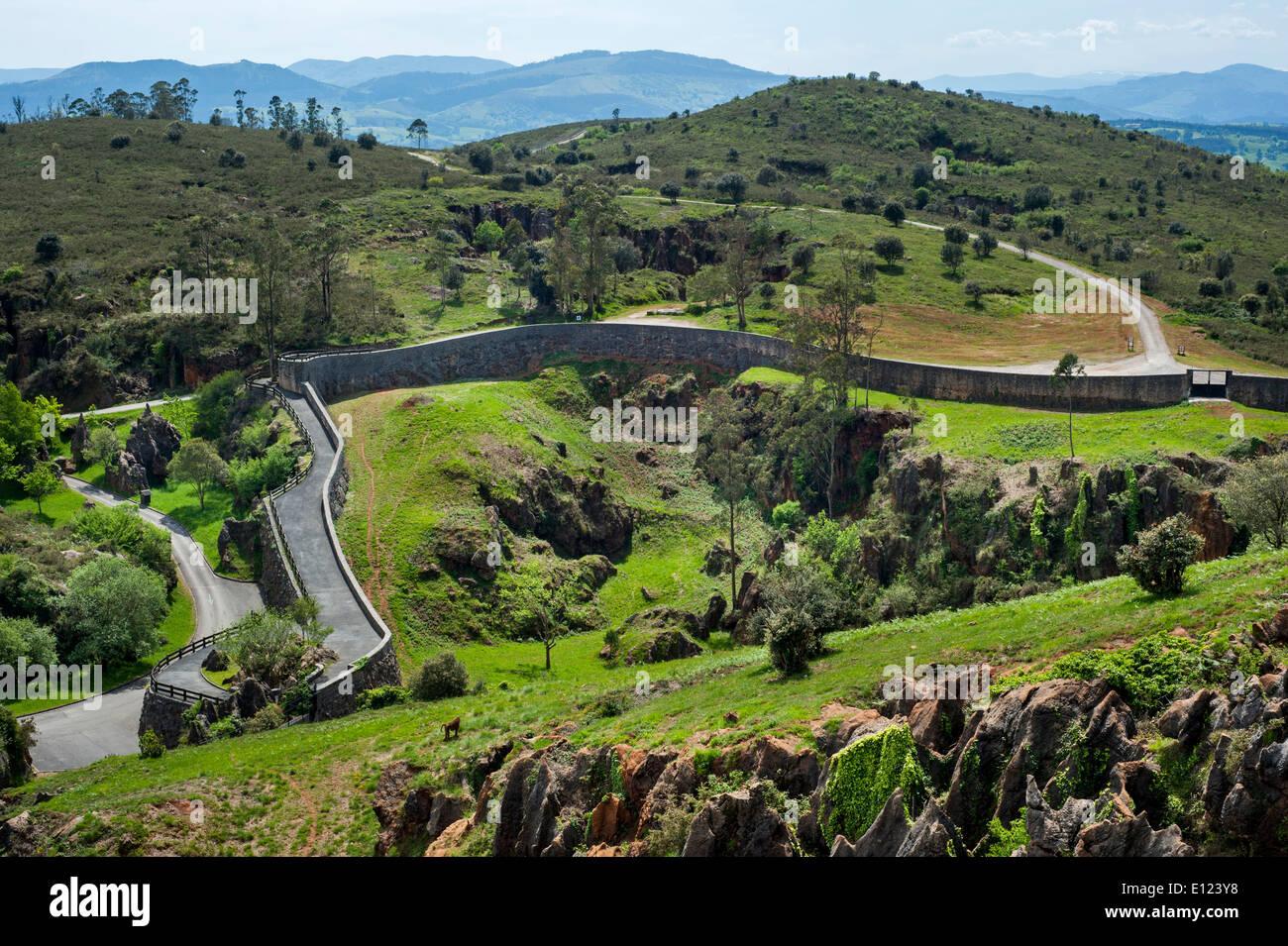 Enclosure at the Cabarceno Natural Park, Penagos, Cantabria, Spain - Stock Image