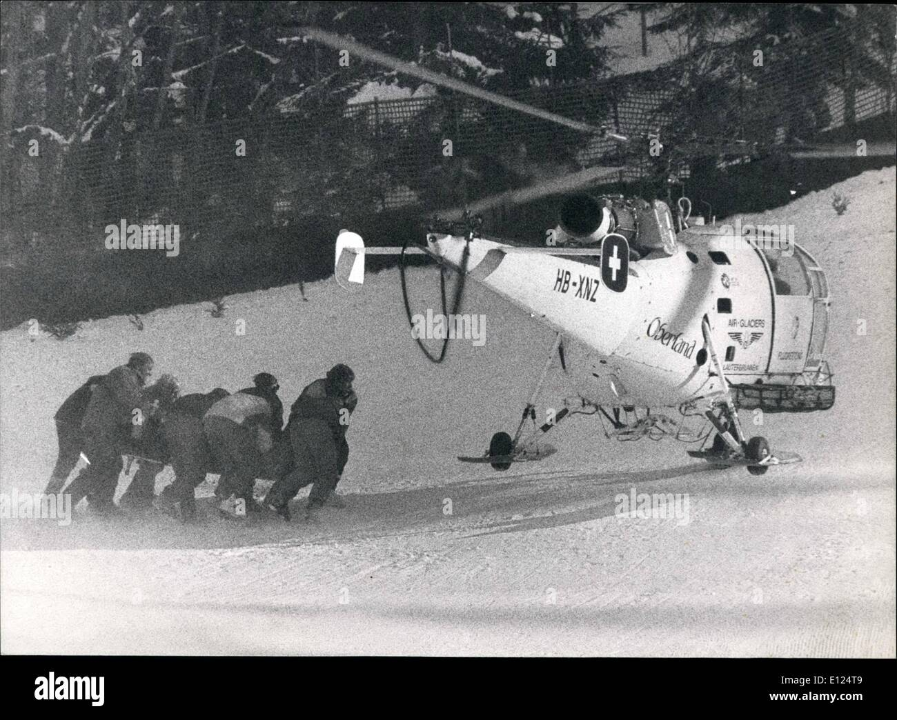 Jan. 01, 1991 - The Austrian skier Gernot Reinstadler died: During the qualification - run at the Swiss Lauberhorn, the Austrian downhill - skier Gernot Reinstadler suffered a very grave crash January 18th. He was brought to the hospital of Interlaken, where he died a few hours later. Photo Shows rescue-workers and doctors bringing Reinstadler to the helicopter. - Stock Image