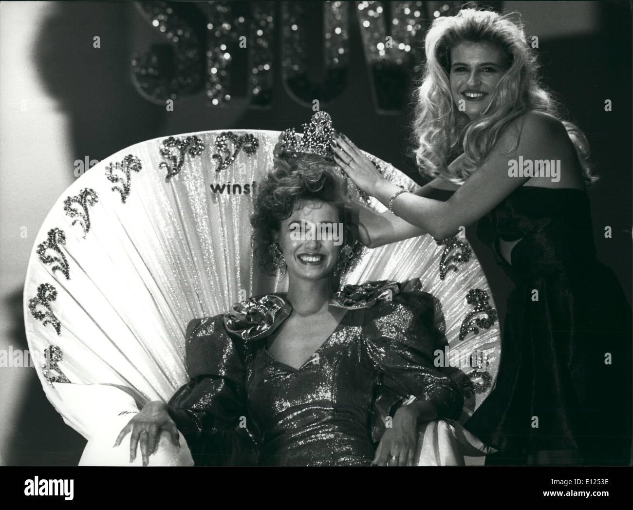 Jun. 06, 1991 - Miss Switzerland 1991: 21years old Sandra Aegerter receives the crown miss Switzerland 91 from herStock Photo