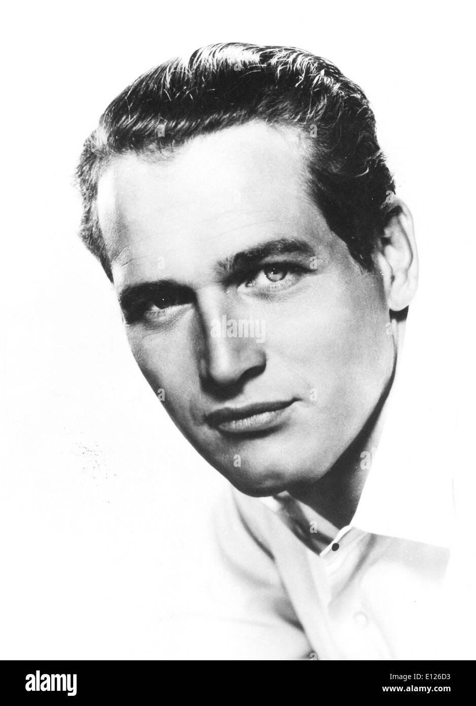 Sep 27, 2008 - Westport, Connecticut - PAUL NEWMAN (January 26, 1925 - September 26, 2008), the legendary movie star and irreverent cultural icon who created a model philanthropy fueled by profits from a salad dressing that became nearly as famous as he was, has died. He was 83. Newman died Friday at his home near Westport, Conn., after a long battle with cancer, publicist Jeff Sanderson said. PICTURED - Los Angeles, CA, USA - In a business where public scandal and bad-boy behavior are the rule rather than the exception, PAUL NEWMAN is as much a hero offscreen as on - Stock Image