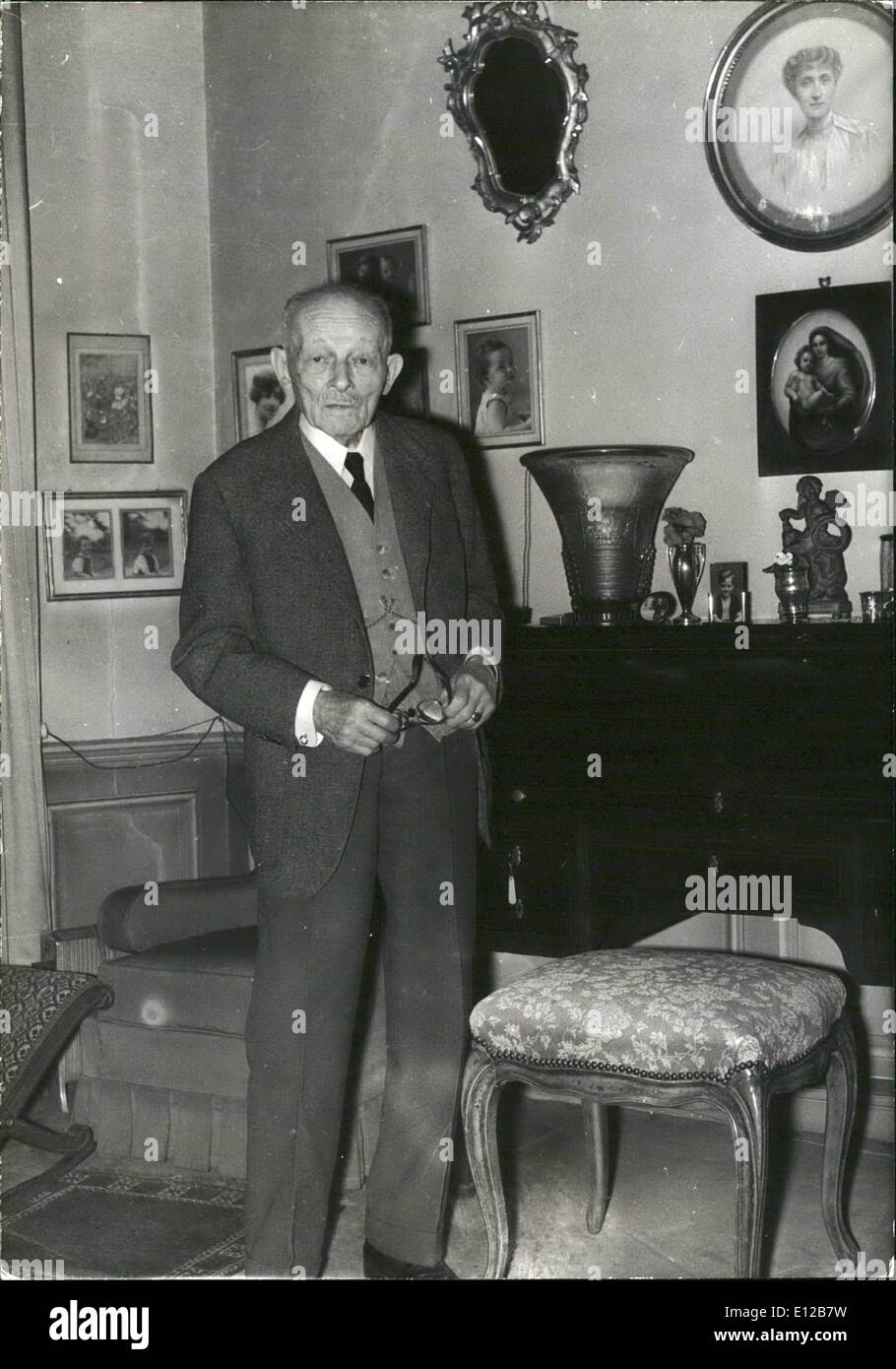 Dec. 09, 2011 - Ex-Servicemen to Commemorate General Weygand. On the occasion of the centenary of the birth of General Weygand who died two years ago, Commemoration ceremonies will be held by ex-servicemen. OPS: General Weygand pictured at his Paris home shortly before his death. Jan. 20/67 - Stock Image