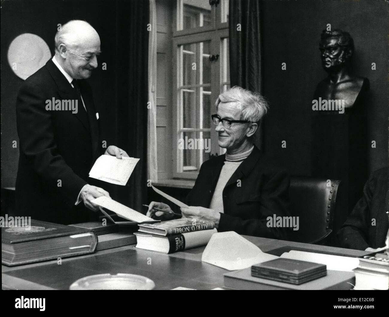 Dec. 12, 2011 - Noble Prize Ceremonies 1969. The Noble prize winners received today their cheques at the nobel Institute of the - Stock Image