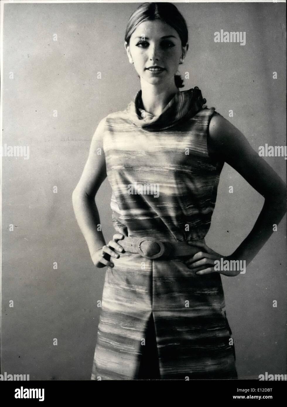 Dec. 19, 2011 - New Line 1965. OPS: Jersey dress with skirt looking like trousers designed by Paris dressmaker Wyler for summer 1965. NPM: Robe a effet de culotte Rhonel, en jersey Valfleurie creee par Wyler. Keystone - Stock Image