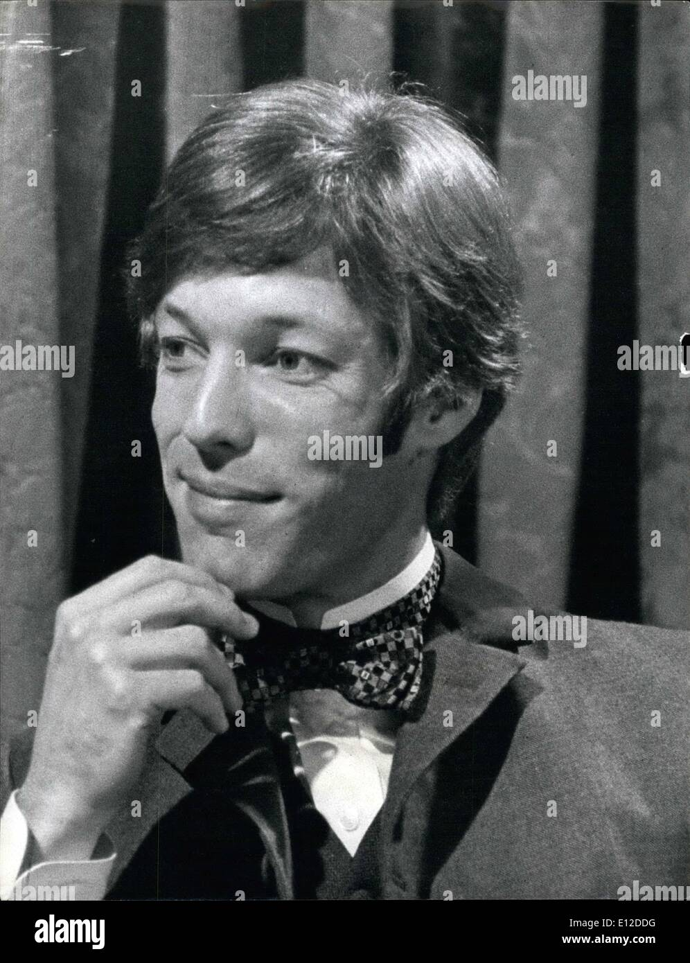 Dec. 19, 2011 - A Tonic for Dr. Kildare. It only takes a glance to diagnose that Richard Chamberlain is at last breaking away from the clean-cut, short-haired, all –American boy image of his Dr. Kildare series. His hair, once so neat now curls slightly on his collar. the crisp white coat is replaced by Regency style clothes. The reason, Richard Chamberlain is playing in a six-part B.B.C.-2 television series, 'Portrait of a Lady' - Stock Image