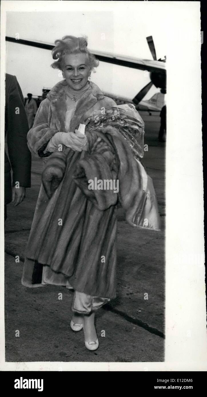 Dec. 19, 2011 - Eva Gabor Arrives at London Airport - Glamorous Eva Gabor, arrived at London Airport this morning to make a film at Shepperton, The title of the film is ''The Truth bout Women. - Stock Image