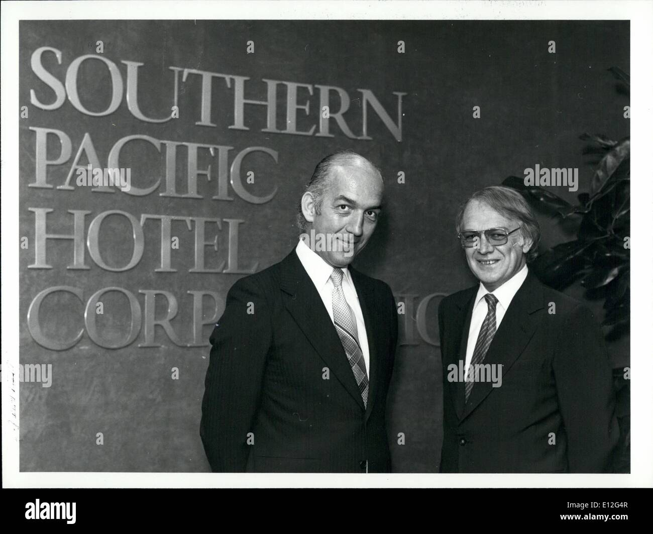 Jan. 09, 2012 - Photo shows (l. to r.) Managing Director of Southern Pacific Hotel Corporation, Roger Kirby and Group Marketing - Stock Image