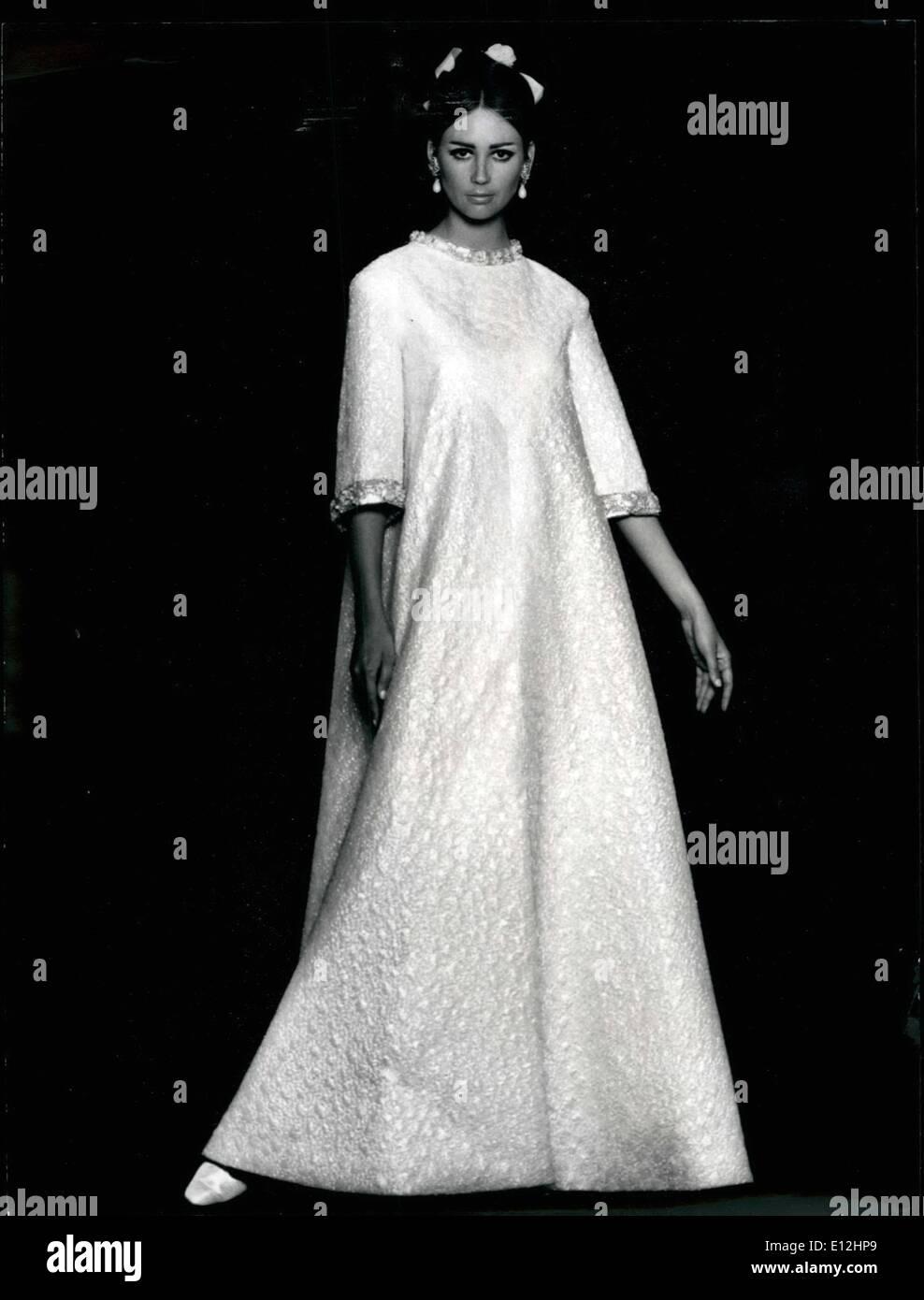 Jan. 04, 2012 - Paris Fashions. OPS: Silver lame wedding dress designed by Guy Laroche. ne Z - Stock Image
