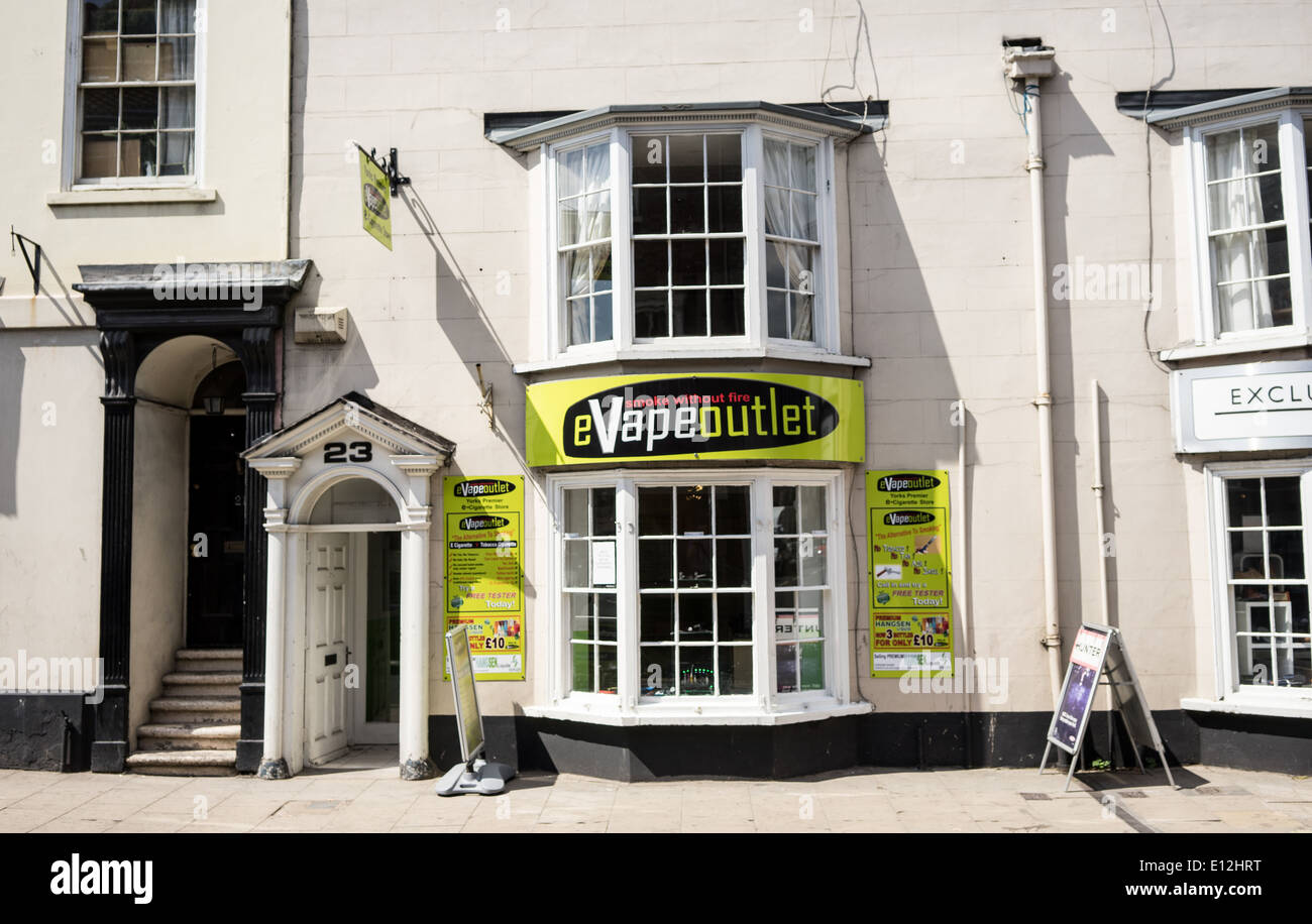 e cigarette shop in York - Stock Image