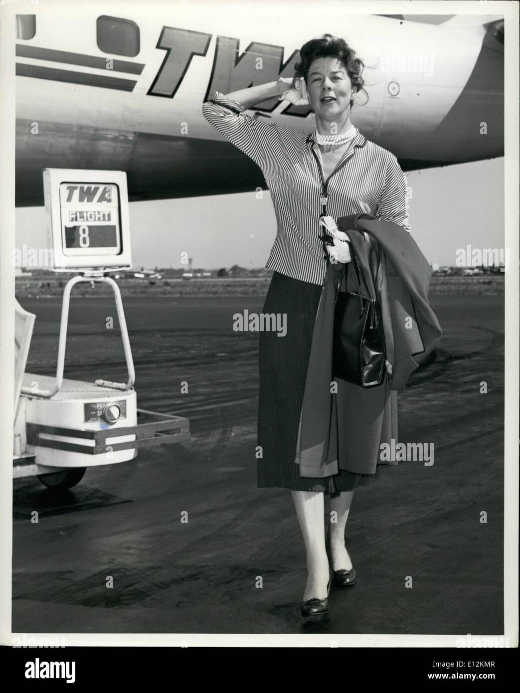 Feb. 24, 2012 - IDLEWILD AIRPORT, N.Y. AUGUST 3 --- STAGE AND SCREEN FAVORITE WENDY HILLER ENJOYS THE SUMMER BREEZES Stock Photo