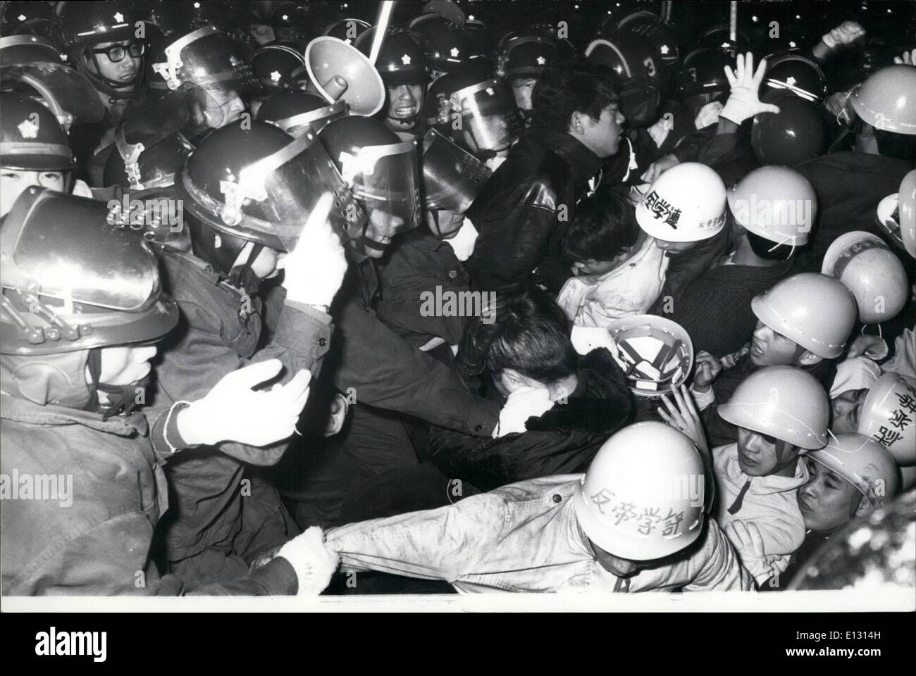 Feb. 26, 2012 - Clash between demonstrators and police in Tokyo when 8000 students and workers demonstrated against nuclear-powered USS Enterprise to arrive in Sasebo on the 19th. 170168 - Stock Image