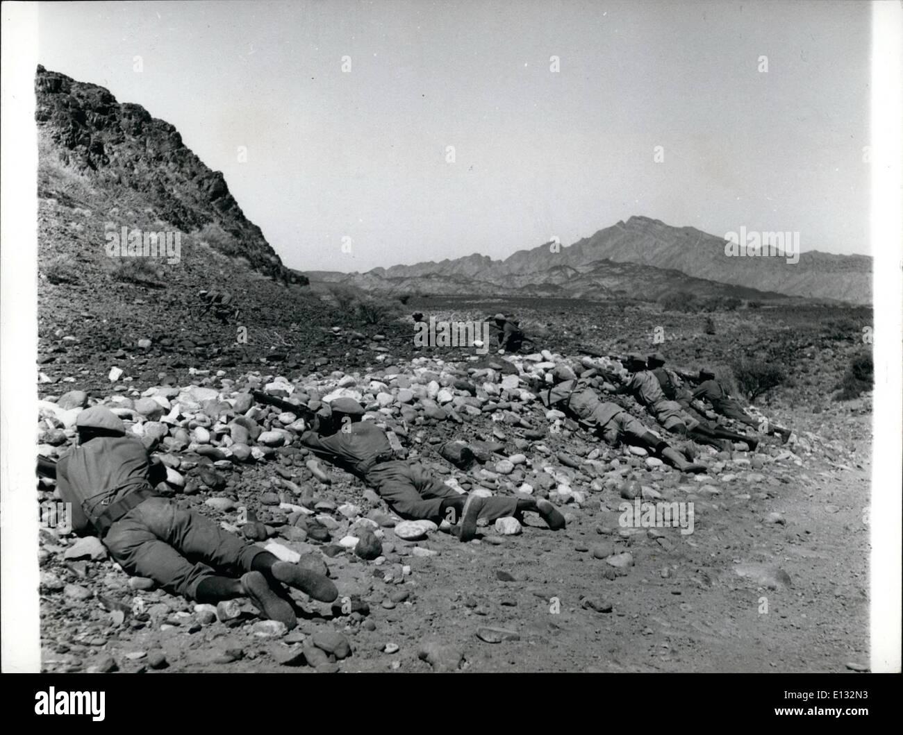 Feb. 26, 2012 - Yemen –Aden border: Government guards lay a counter ambush in the Aden border country. - Stock Image