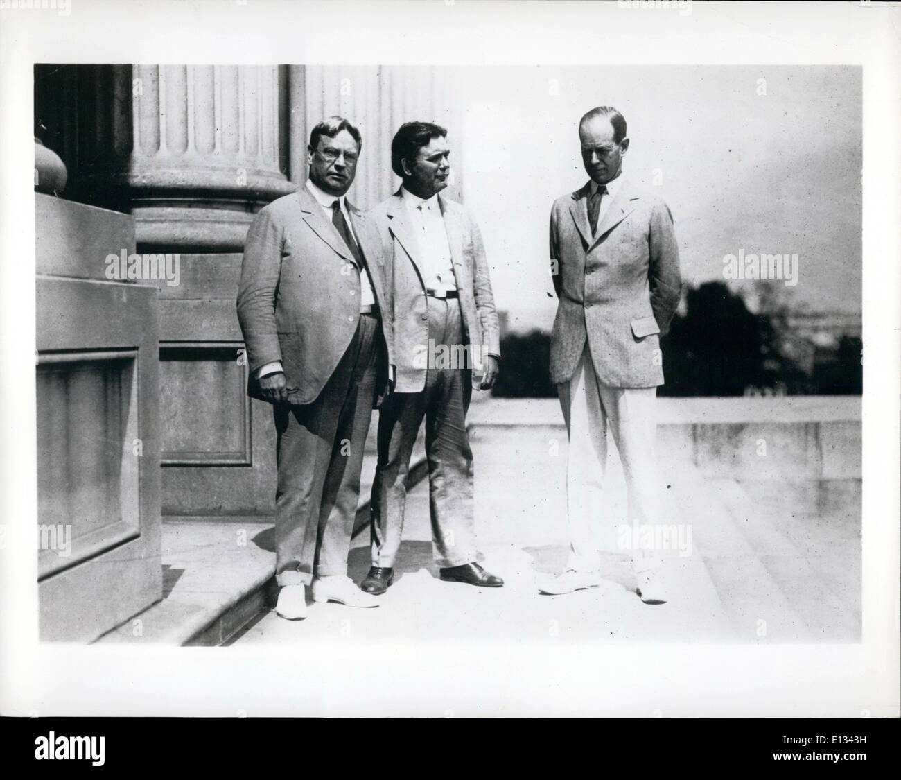 Feb. 26, 2012 - 3 Senators who are on tours in opposition to Pres. Wilson's appeal for League of Nations. L to R : Hirum W. Johnson, William E. Borah & Medill McCormick. - Stock Image