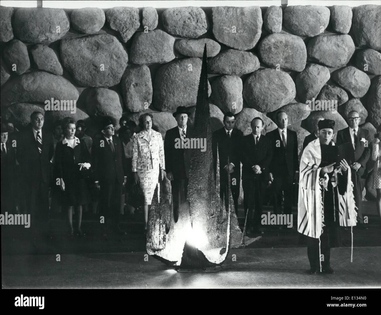 Feb. 26, 2012 - Mr. Rogers at Yad-Vashem: Photo shows U.S. Secretary of State Mr. William P. Rogers and his entourage on a short visit at Yad-Vashem in Jerusalem. - Stock Image