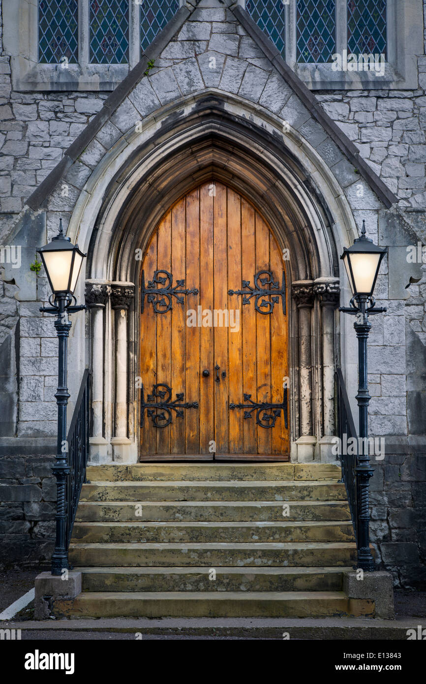 Wooden doors at entrance to Trinity Presbyterian Church Cork Ireland : trinity door - pezcame.com