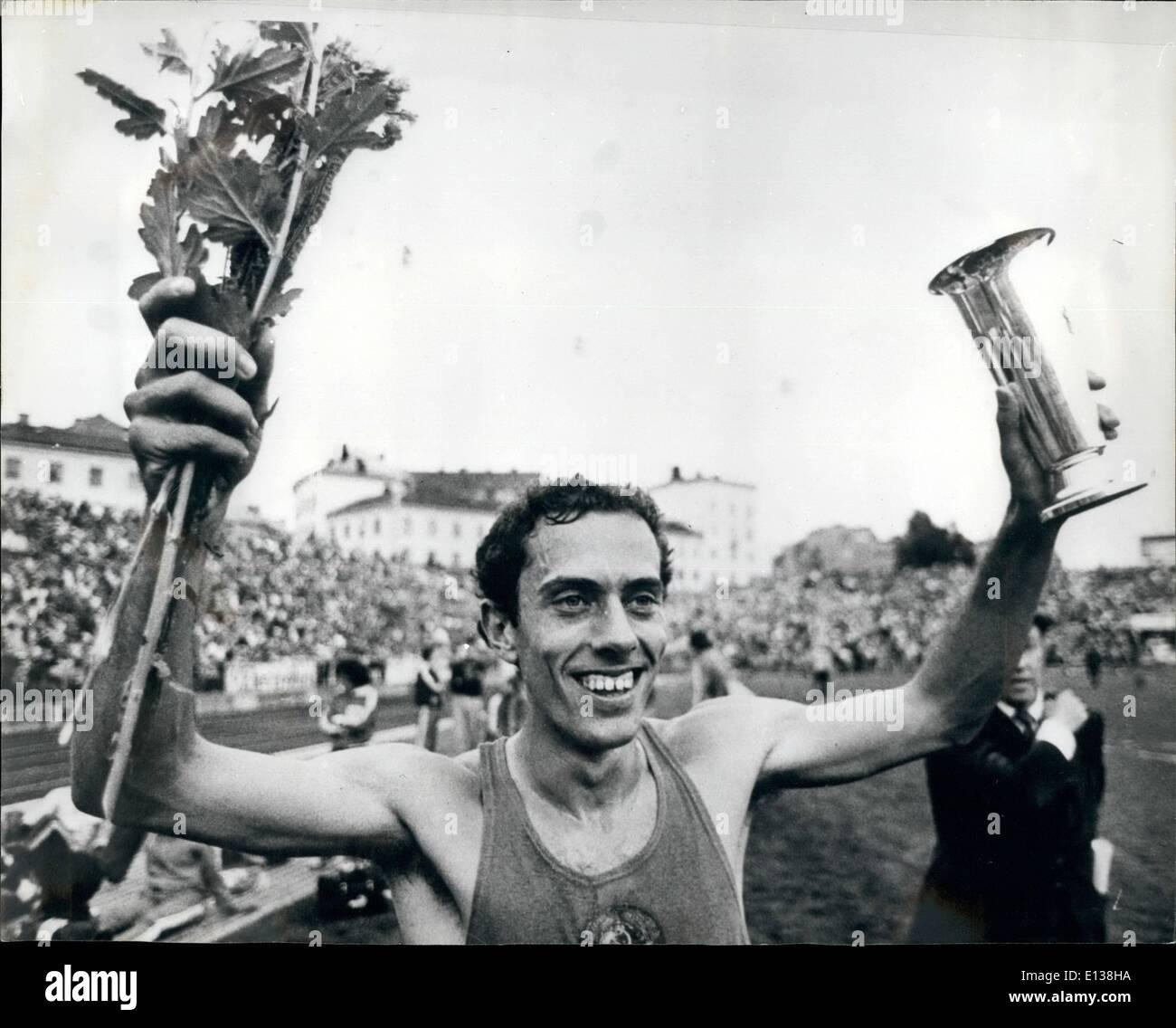 Feb. 29, 2012 - July 1980 Steve Ovett breaks world record for the mile in Oslo – In the Bislett Stadium in Stock Photo