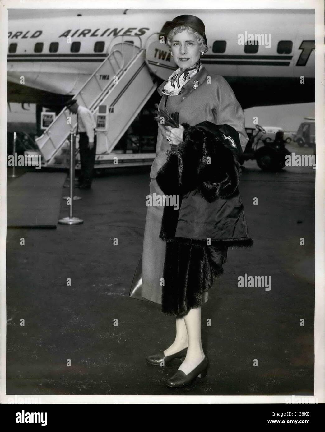 Feb. 29, 2012 - Idlewind Airport, N.Y., Sept. 9th. Clare Booth Luce, former U.S. Ambassador to Italy boards a TWA flight here today for Rome for a vacation. On September 19, she will represent Secretary of State Dulles at the dedication of the Berlin Congress Hall. - Stock Image