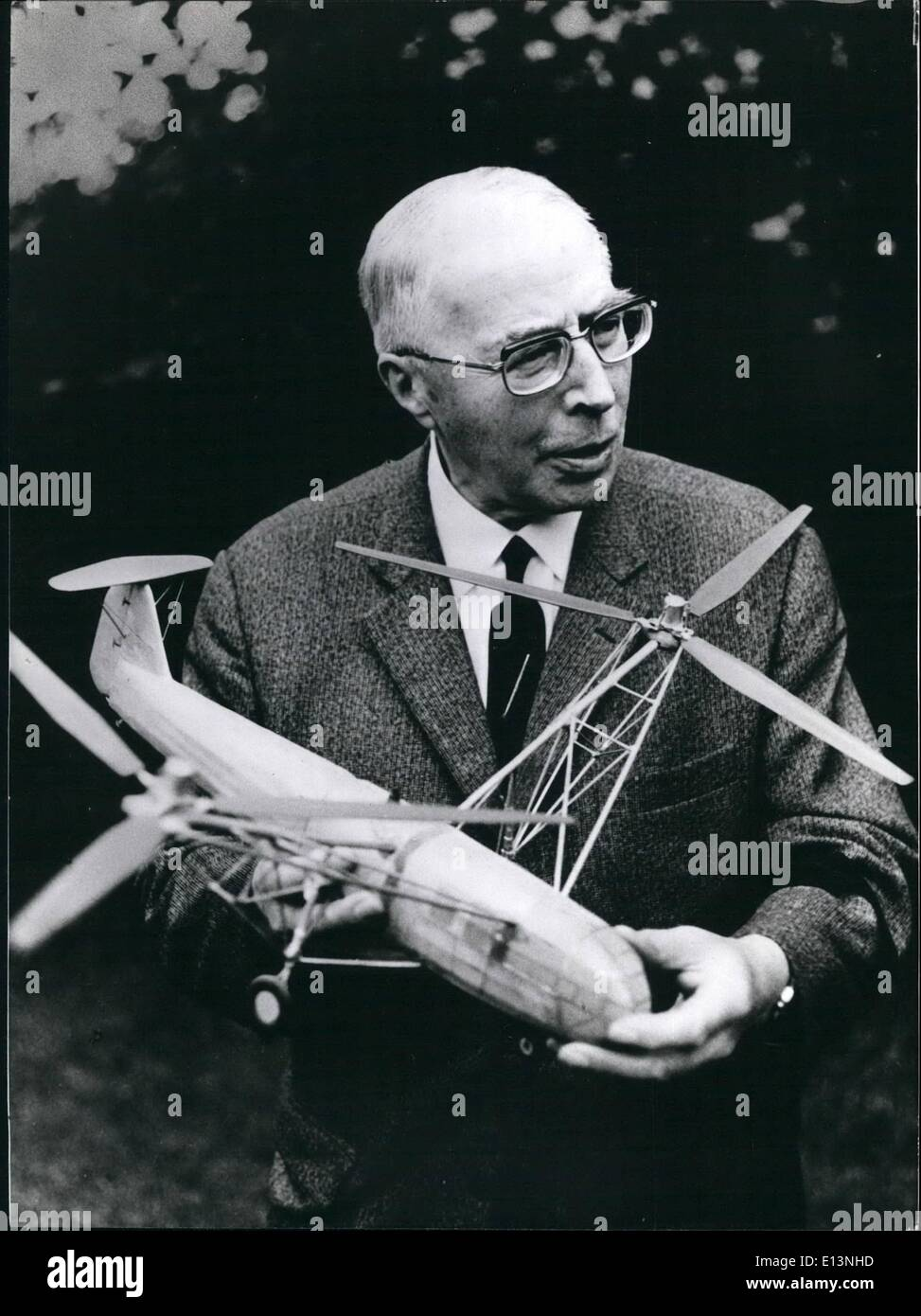 Mar. 22, 2012 - Airplane Designer Heinrich Focke Will be 85 On October 8TH The German airplane designer Heinrich Focke will become 85 on October 8th 1975. 1908 he started with the building of planes - with a some what odd gilder the first big jumps were made at the Osterdeich in Bremen, his native town. 13 years later, as he had just finished his studies at the technical university in Hanover, he got the official permittance for his first plane, the A 7. 1924, the ''Focke-Wulf Flugzeugbau AG '' was founded, which produced until 1933 - Stock Image