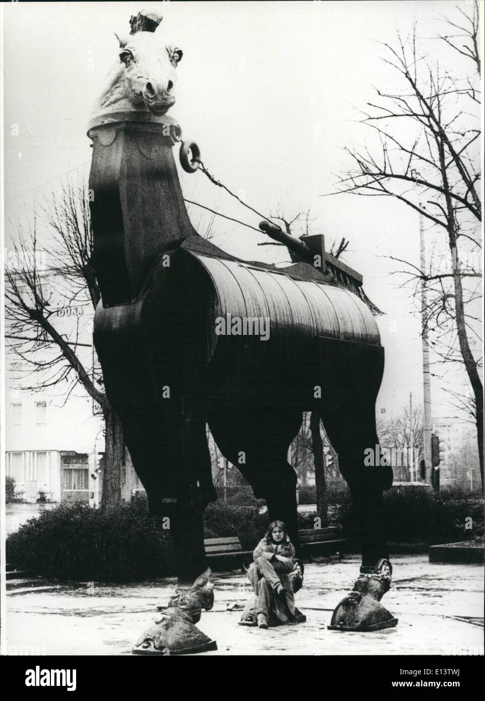 Mar. 27, 2012 - Exhibition ''Polychrome Plastic 1971-1981'' In Darmstadt/West-Germany (March 15th. -April 26-81): This immense ''horse of the Muses''.....was erected in front of the hall of art in Darmstadt/West Germany. This six meter high ans five metre wide horse is work of the sculptor Jurgen Goertz (Jurgen Goertz - on this photo at the bottom of the horse), whose exhibition ''Polychrome Plastic 1971-1981, is still lasting until April 26th, 1981. Besidesm, at the hall of art in Darmstadt, 50 plastic sculptures and reliefs (partially with other materials) can be seen - Stock Image