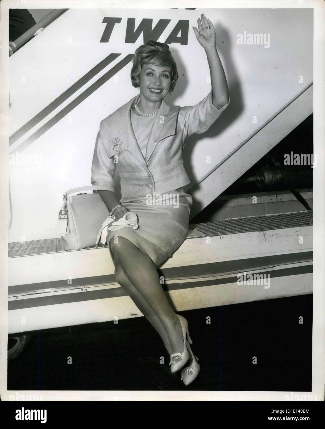 Mar. 31, 2012 - N.Y. International Airport, Sept. 26 -- Pert Jane Powell Delights the photographer Prior to jetting to los angeles via TWA. Miss Powell has been in town for five days for a TV Engagement. - Stock Image