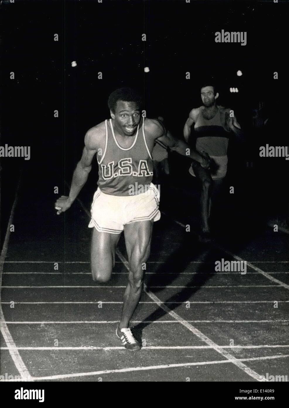 Mar. 31, 2012 - Athletisme: Meeting de Paris Pierre Bonnenfant . NPM: L'arrivee de l'Americain Fred Newhouse, vainqueur du 400 metres. Keystone - Stock Image