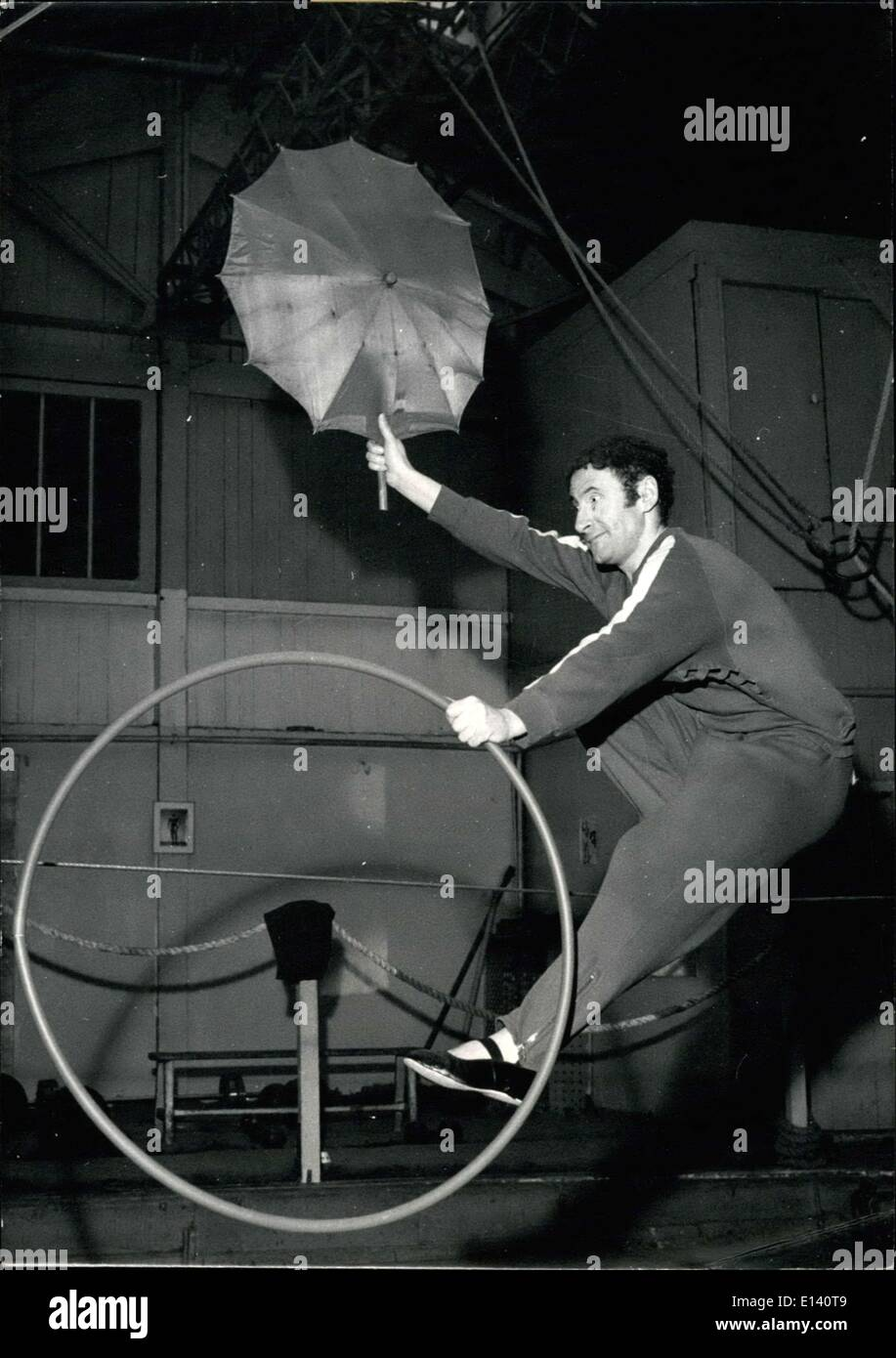 Mar. 31, 2012 - French Mime Marcel Marceau as a rope dancer.: The famous french dancer actor and acrobat, Marcel Marceau, will perform at the annual Gala De L'Union in Paris very soon. Photo shows M. Marceau showing his extraordinary agility as a tight rope walker. - Stock Image