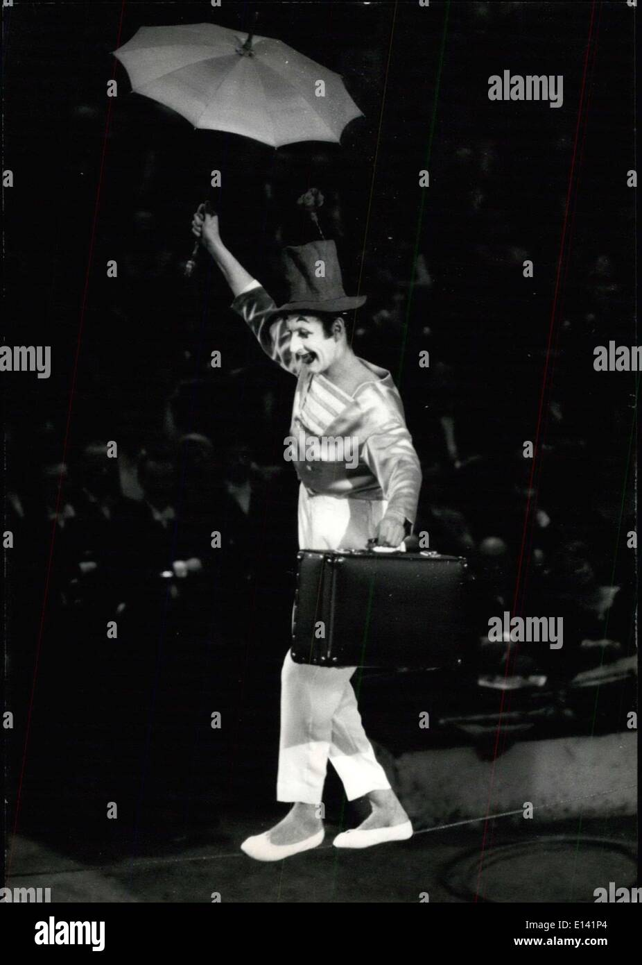 Mar. 31, 2012 - French Artist's Gala: The mime Marcel Marceau as a rope dancer: The annual French artist's Gala ws held last night at the Win Circus in Paris. 38 French stars were performing. Photo shows the famous French Mime Marcel Marceau showing his extraordinary agility as a tight rope walker. - Stock Image