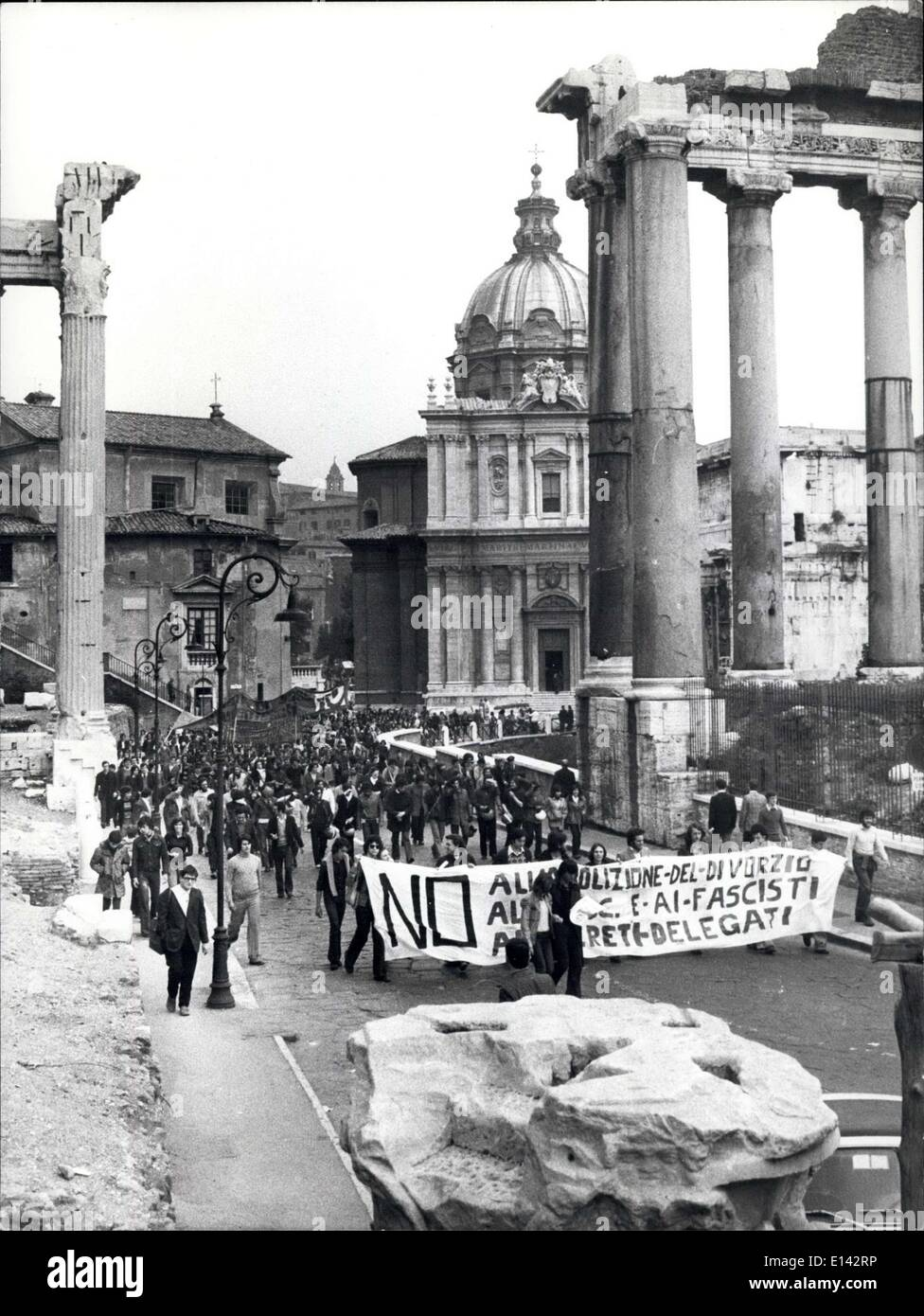 Apr. 04, 2012 - Rome, 24 April 1974. A new itinerary of the Roman students that demonstrate one day yes and the other no against all , is the Roman Forum. - Stock Image
