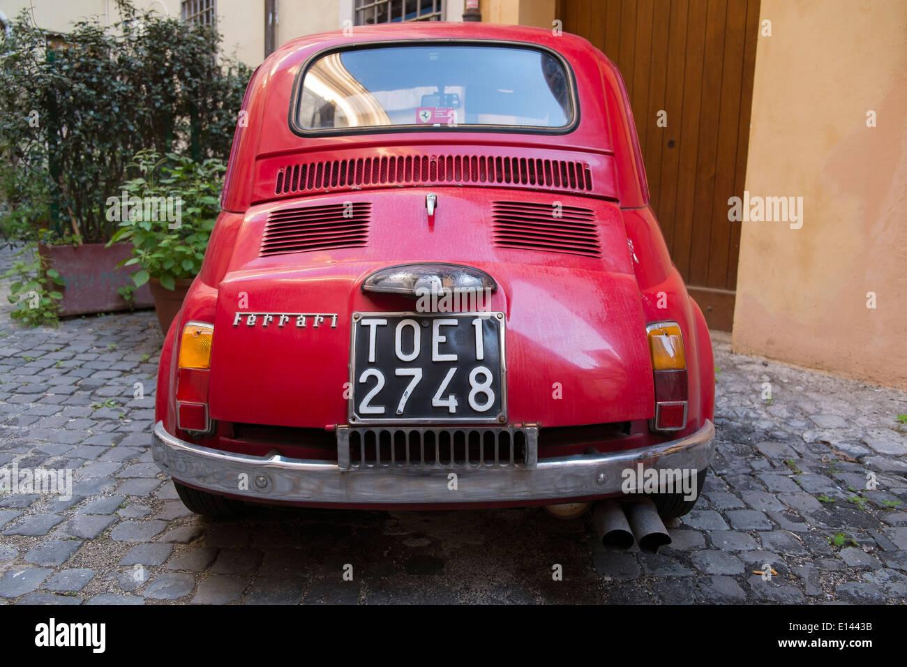 Fiat 500 Ferrari Cinquecento Stock Photo Alamy