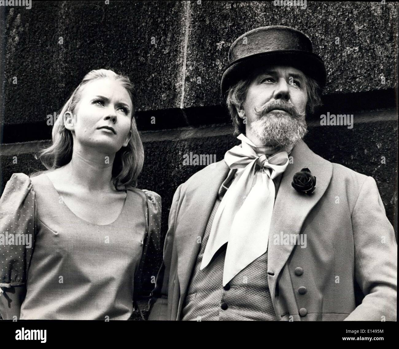 Apr. 17, 2012 - American TV Brings Dickens Back To Life In The London He Loved: Dickens (playing in his prime by Sir Michael Redgrave and in his youth by Robin Ellis (25) now appearing in 'the Rivals'. Haymarket Theatre) meets a young girl of today Juliet Mills. As in all true fantsies they get talking and the famous writer shows her the landmarks of such novels as 'Oliver Twist', he takes her back in time. This is the theme of a one-hour color television film made for American ABC network to be shown in the USA in December of this year - Stock Image