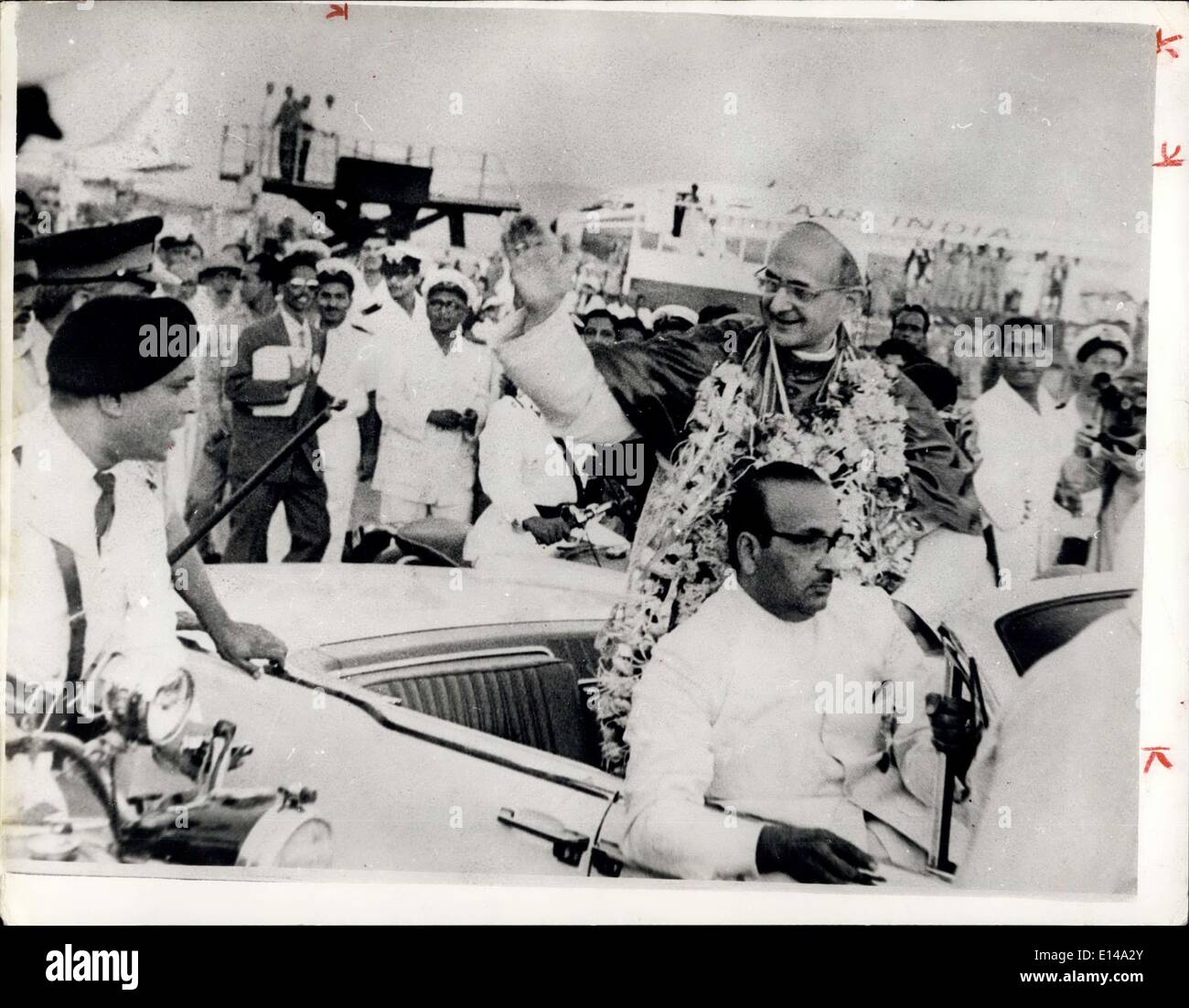 Apr. 17, 2012 - Pope Paul In India: Upon his arrival at Bowley Airport Pope Paul VI acknowledges the greetings from the great crowds wish paclued the airport. - Stock Image