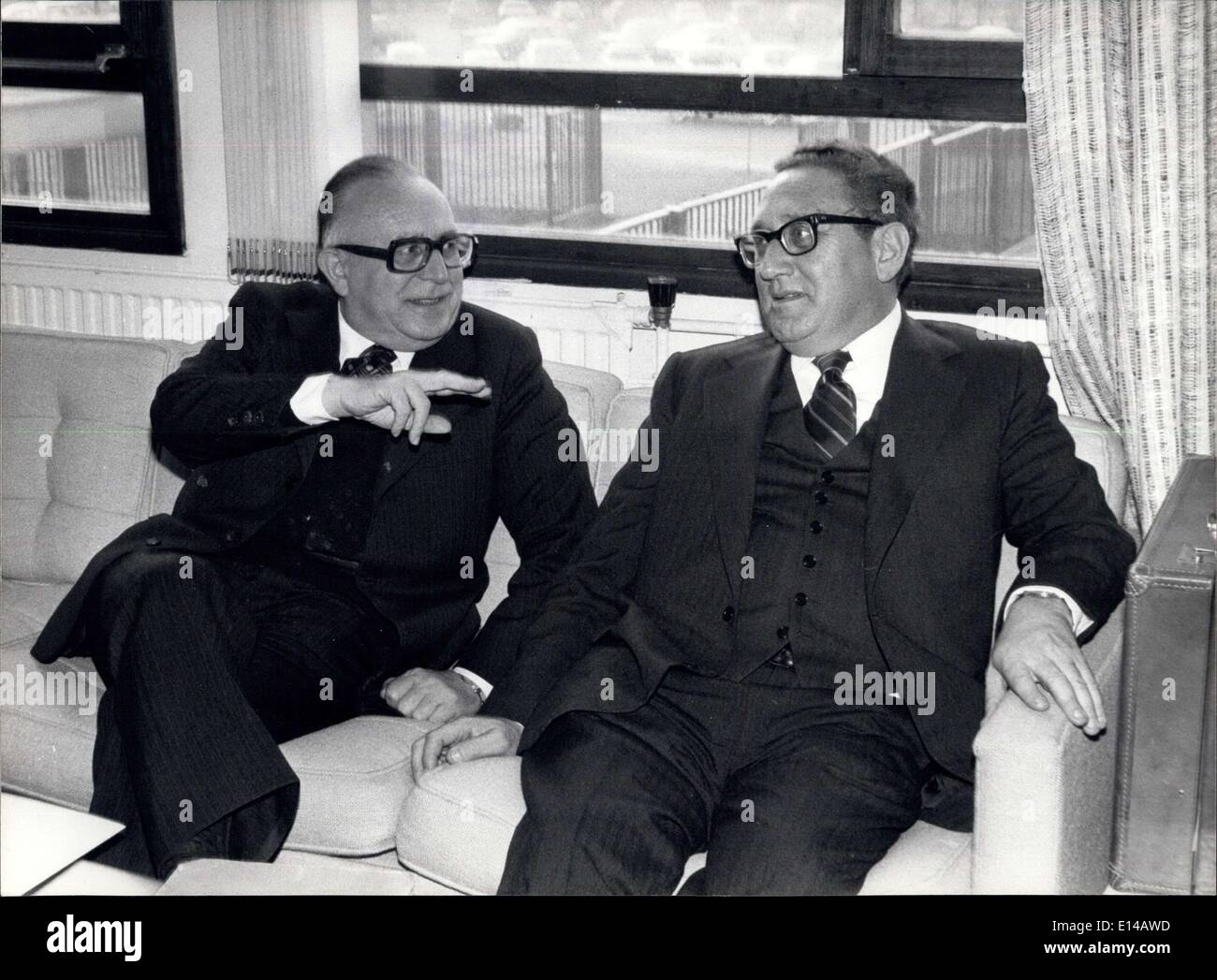 Apr. 17, 2012 - The Ministerial Session of the NATO Council, Brussels, 11th December 1975 Before this afternoon's session was resumed, the US secretary of STATE, Mr. H. Kissinger, had a meeting with the Italian Foreign Minister, Mr. M. Rumor, in the offices of the US Delegation to NATO. Seen here are the two Foreign Minister in discussion. - Stock Image