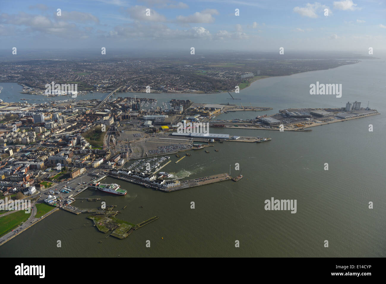 An aerial view of Southampton showing the docks and the mouth of the River Itchen - Stock Image