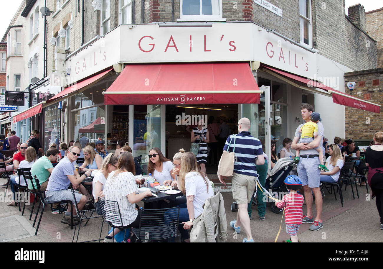 Gail's Artisan Bakery on Northcote Rd Busy with Diners - London UK - Stock Image