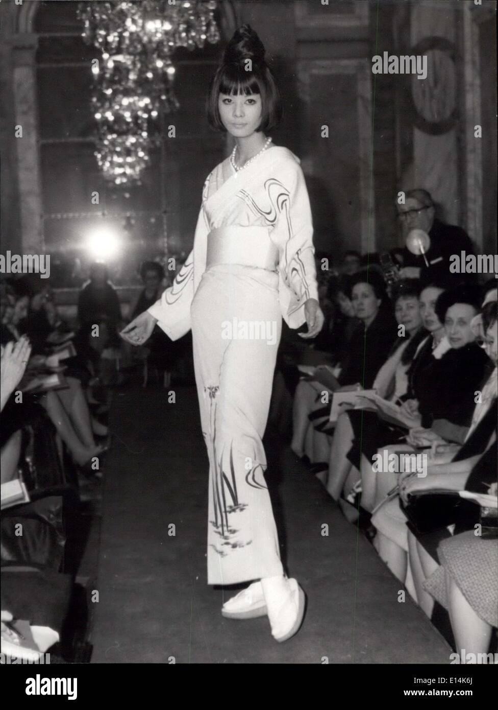 Apr 05 2012 Kimonos In Paris Famous Japanese Fashion Designer Stock Photo Alamy