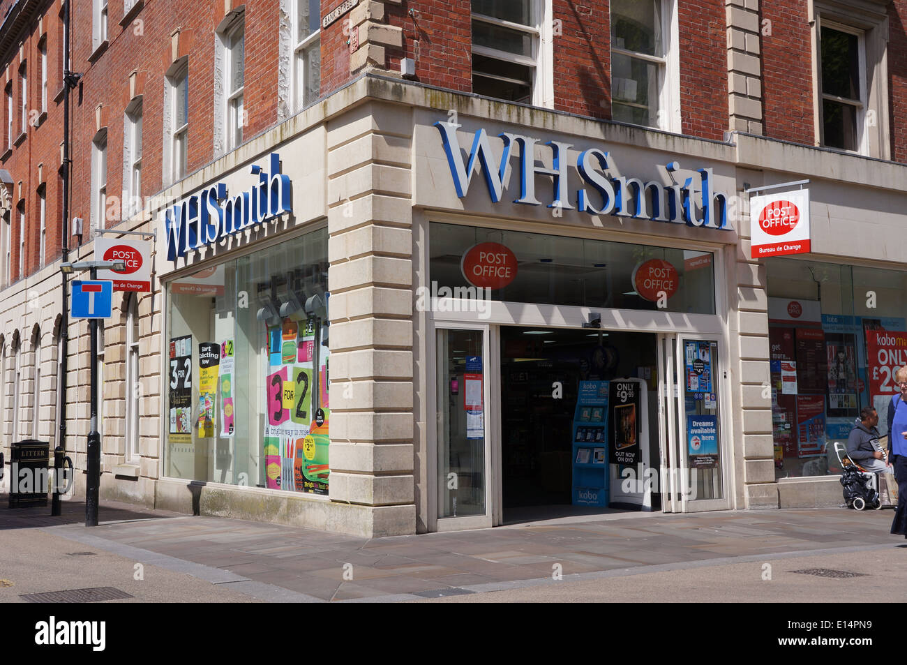 wh smith newsagents and post office in worcester - Stock Image