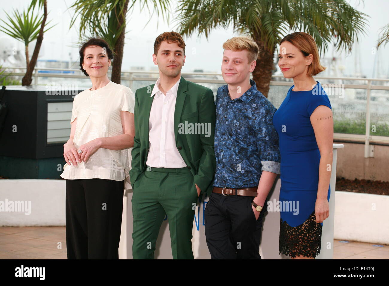 Cannes, France. 22nd May, 2014. Anne Dorval, Director Xavier Dolan, Antoine-Olivier Pilon and Suzanne ClŽment at the photo call for the film Mommy at the 67th Cannes Film Festival, Thursday 22nd May 2014, Cannes, France. Credit:  Doreen Kennedy/Alamy Live News - Stock Image