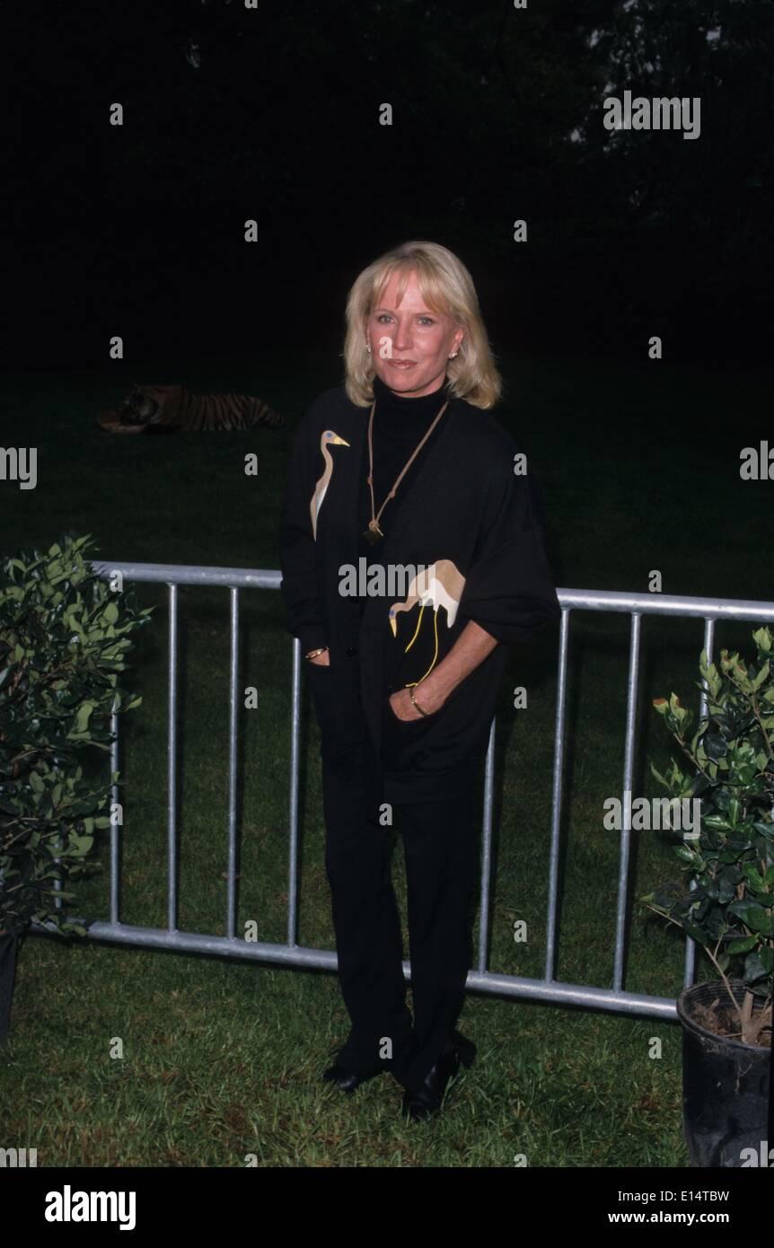 Frances Sternhagen Porno clips AnnaLynne McCord,Melinda McGraw
