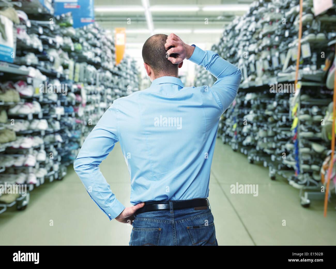 Shopping In A Warehouse Stock Photos & Shopping In A Warehouse Stock ...