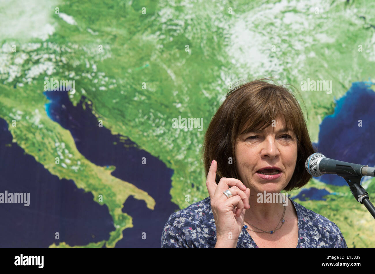 Hanover, Germany. 22nd May, 2014. Top candidate for Alliance 90/The Greens, Rebecca Harms, stands in Hanover, Germany, 22 May 2014. Harms ended the campaign in Hanover. Photo: JOCHEN LUEBKE/dpa/Alamy Live News - Stock Image
