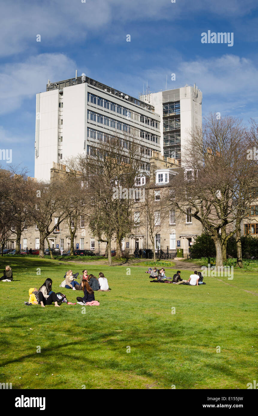 The University of Edinburgh Appleton Tower, viewed from the gardens in Edinburgh's George Square. - Stock Image