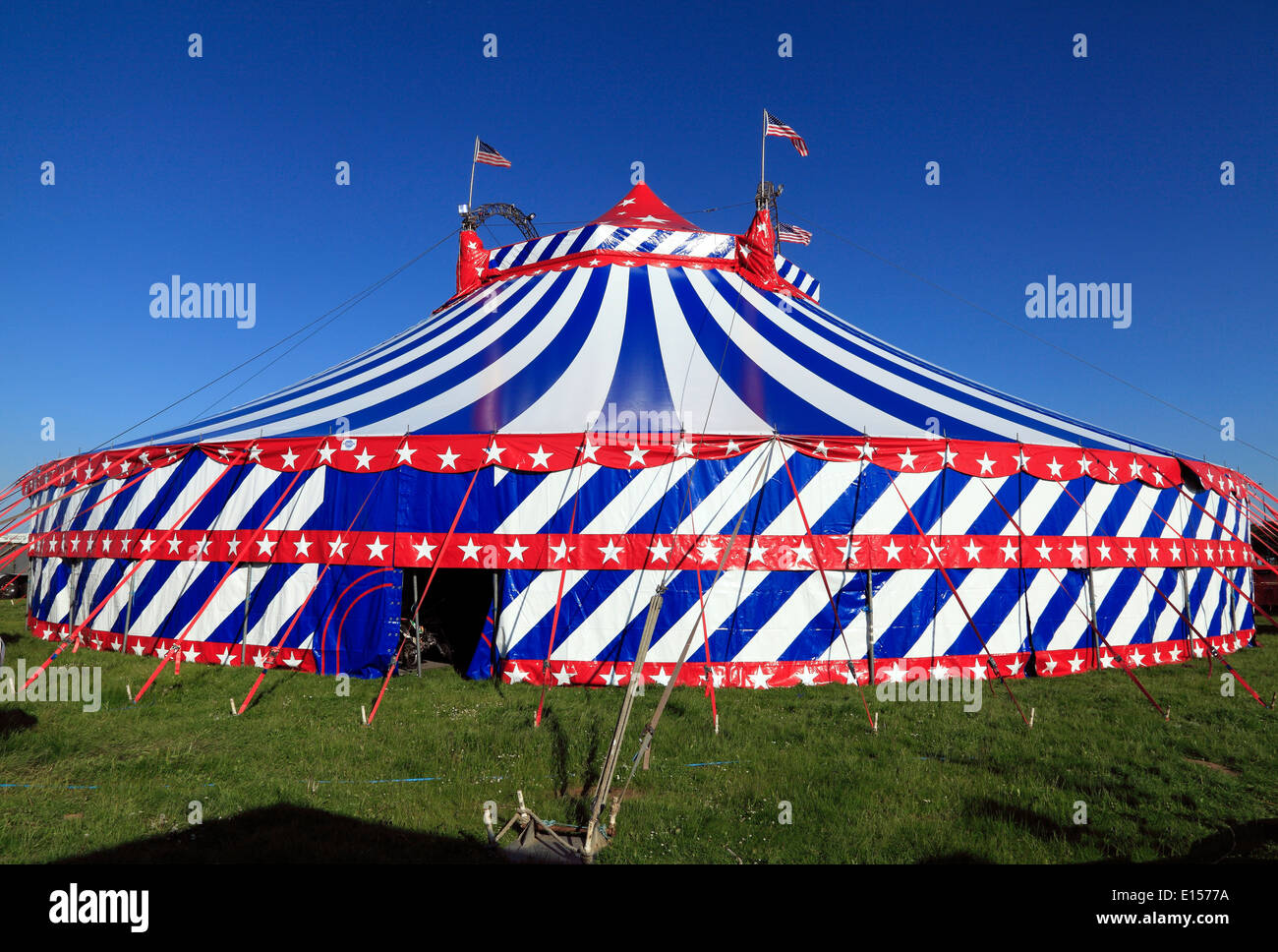 Uncle Sam's American Circus, UK travelling traveling circus shows, Big Top tent, Norfolk, England - Stock Image