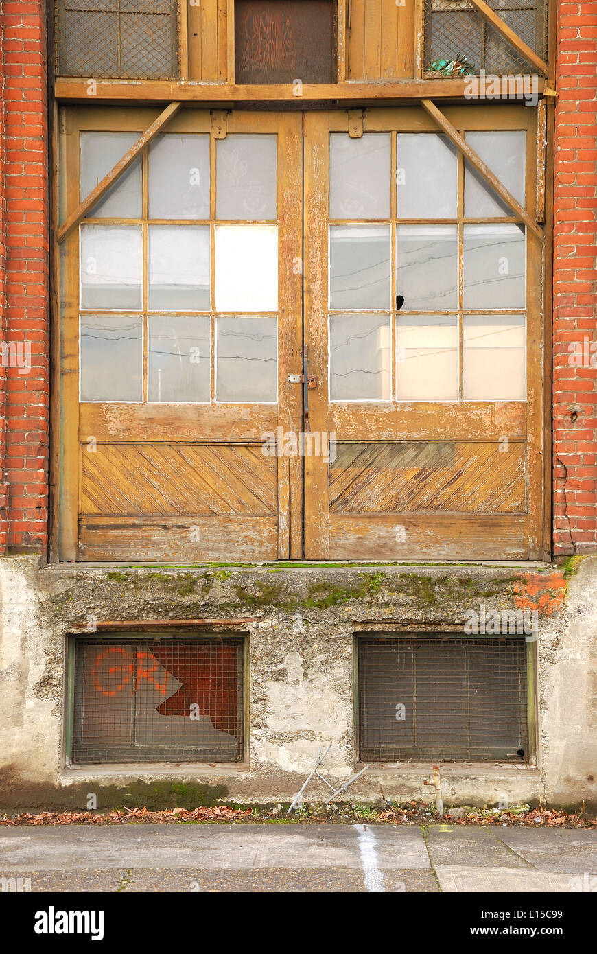 old warehouse building doors in an industrial district in Portland Oregon & old warehouse building doors in an industrial district in Portland ...