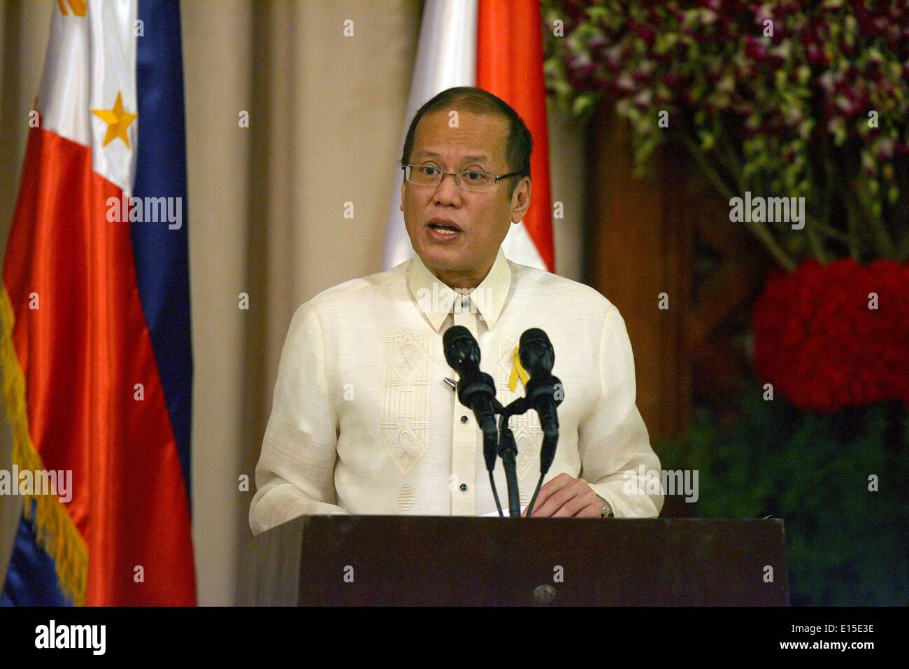 Manila, Philippines. 23rd May, 2014. Philippine President Benigno Aquino III attends the joint press conference at the presidential palace in Manila, the Philippines, May 23, 2014. The Philippines and Indonesia signed on Friday an agreement on the delimitation of their overlapping exclusive economic zones (EEZ) in the Mindanao Sea and Celebes Sea. © Rouelle Umali/Xinhua/Alamy Live News - Stock Image