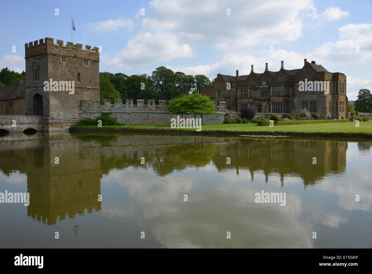 Broughton Castle near Banbury, Oxfordshire - Stock Image